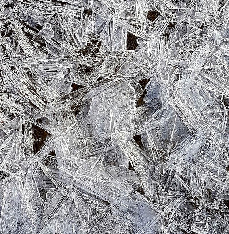 Eau minerale naturelle plate - Chantemerle - Pestrin - ventadour